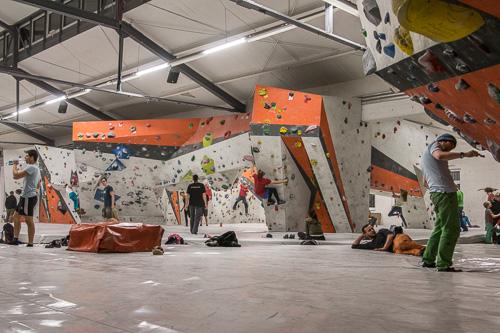 Bloc NO LIMIT Boulderhalle Leipzig | Klettermafia